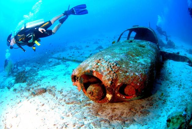 diving-689827_1920