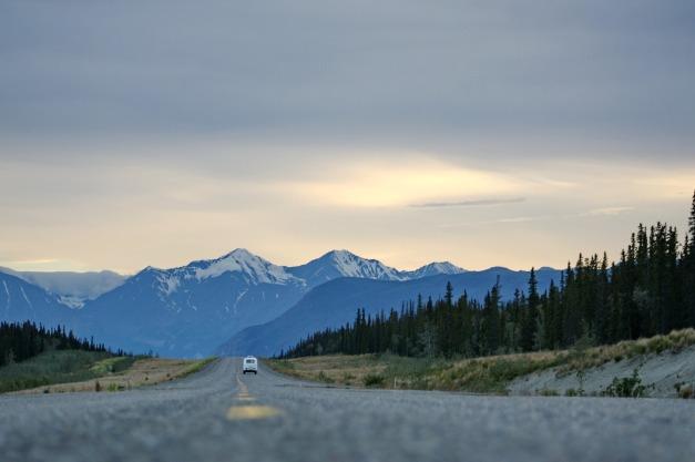road-828733_1920
